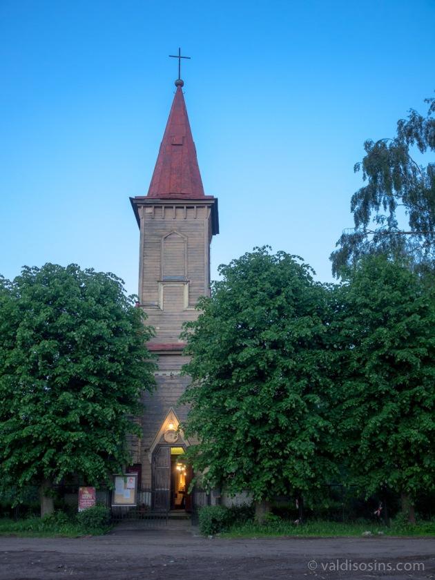 Bolderājas evaņģēliski luteriskā baznīca, celta 1875. gadā.