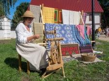 Blakus kulinārajam piedāvājumam savus darbus bija izstādījuši arī Krāslavas novada amatnieki